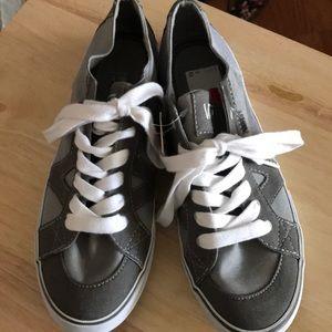 NWT Vans shoes size 9